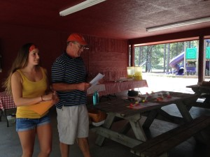 Becky and Bob Kalton handing out the prize money!